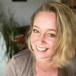 Blütezeit - Online-Coaching für Autisten und Hochsensible für mehr Selbstbewusstsein by Carmen Hanke